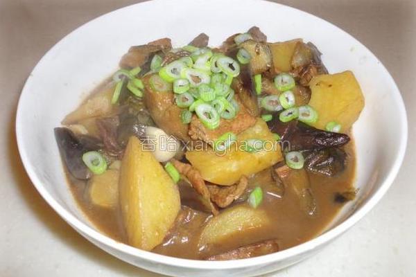 猪肉茄子土豆炖粉条的做法