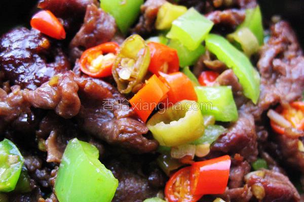 三椒炒牛肉的做法