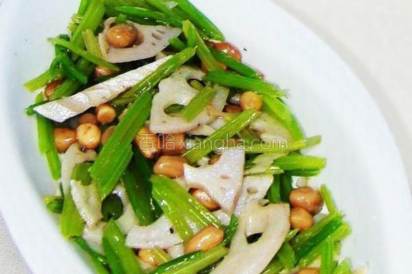炝西芹藕片花生米的做法