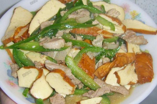 茶干青椒炒肉丝的做法