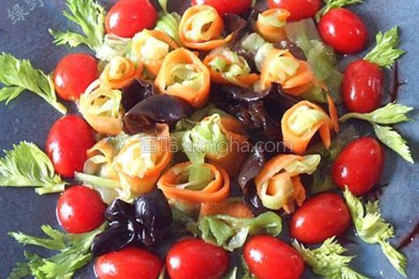 椒油炝芹菜的做法