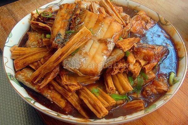 腐竹醋焖带鱼