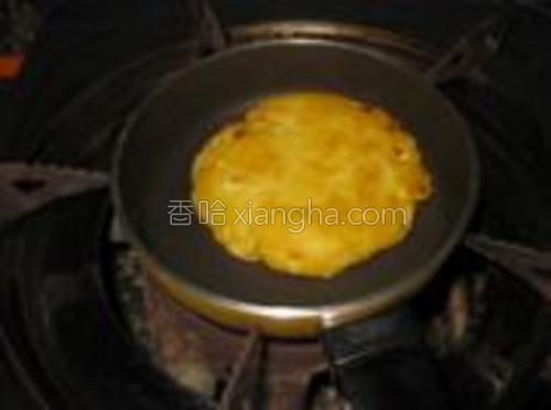 煎至两面金黄即可。