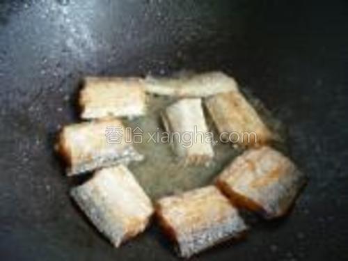 开小火煎至两面金黄就好了。