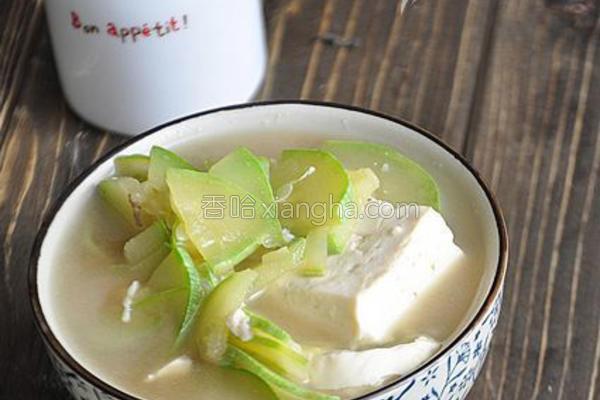 猪骨豆腐汤的做法