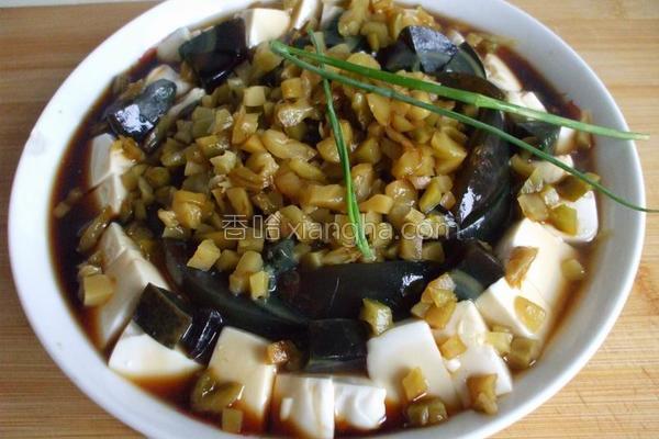 榨菜皮蛋拌豆腐