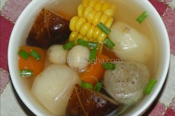 肉丸蔬菜汤的做法