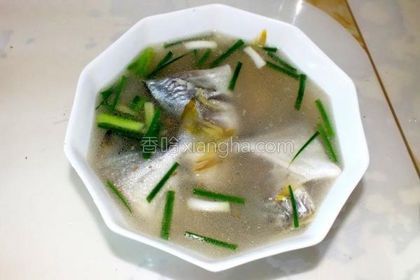 鲜海仓鱼汤的做法