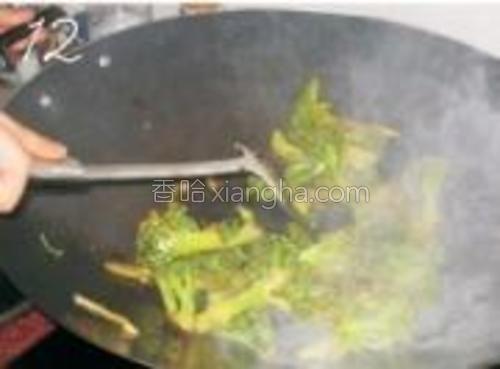 翻炒均匀即可出锅。