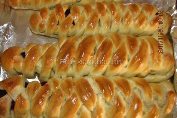 紫薯面包成品图