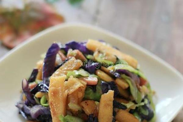 彩蔬炒玉米面片的做法