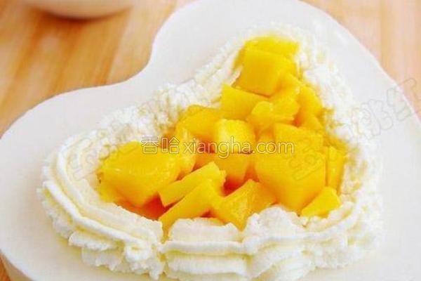 酸奶芒果慕斯蛋糕的做法