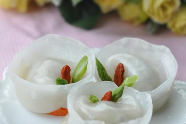 芦笋水晶饺