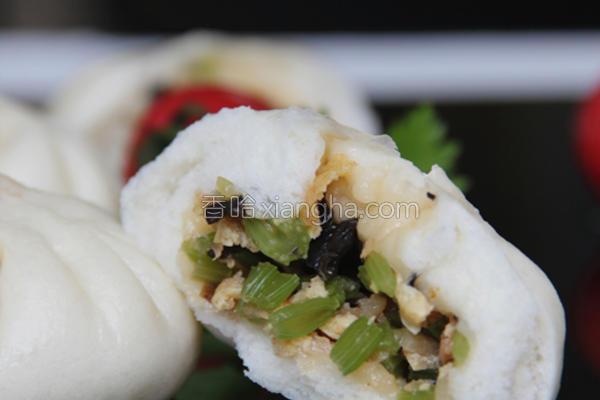 味噌海米芹菜包的做法