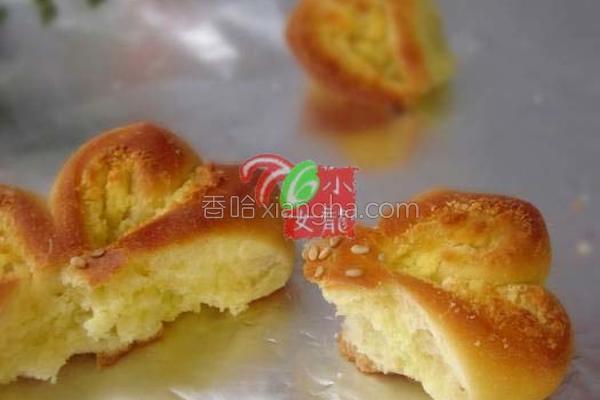花式椰蓉面包的做法