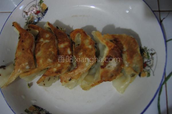 荠菜煎饺的做法