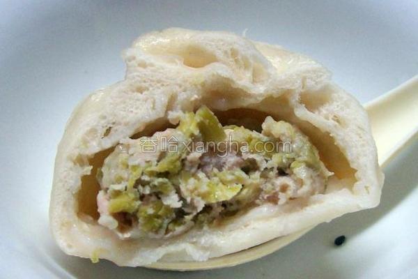 芹菜鲜肉中餐包的做法