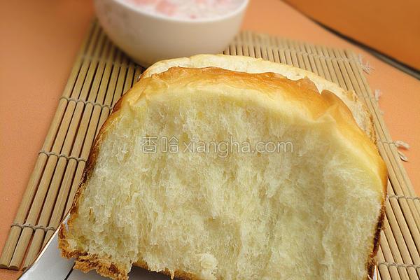 牛奶面包成品图