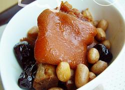 花生红枣炖猪手