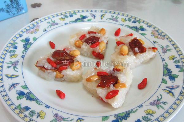 红枣花生糯米饭的做法_红枣花生糯米饭的做法