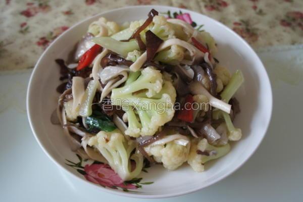 花椰菜炒舞茸菇的做法