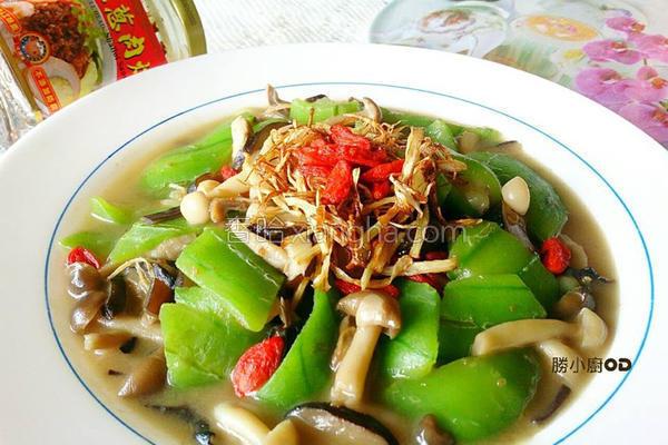 佰菇烩丝瓜的做法