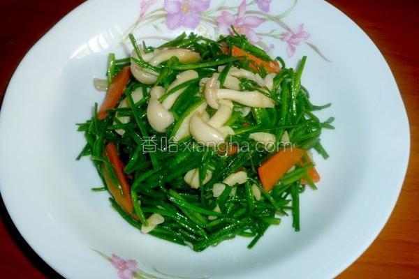 蒜香水莲炒菇的做法