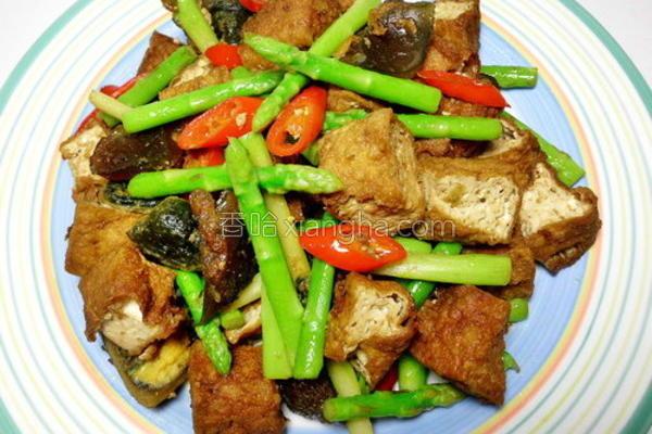 辣炒皮蛋臭豆腐的做法