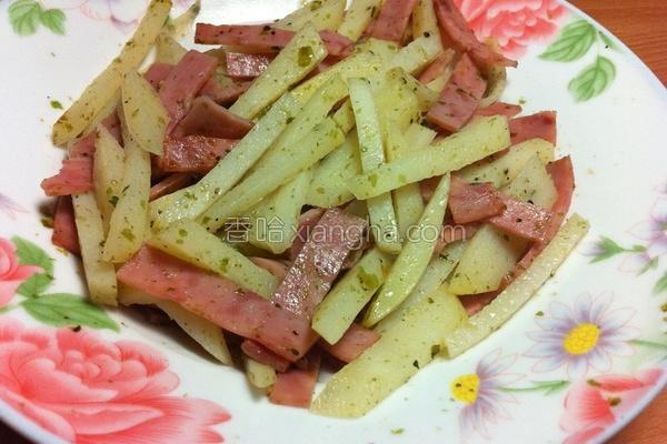 马铃薯炒火腿的做法