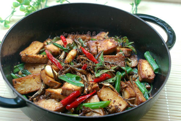 丁香小鱼炒豆干的做法