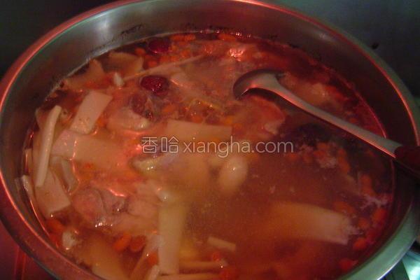 笋片鸡汤的做法