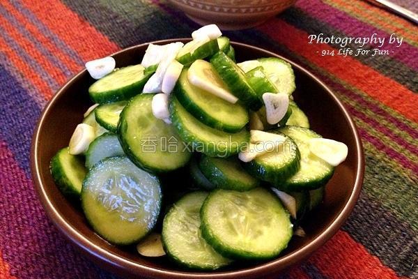 透清凉蒜味小黄瓜的做法