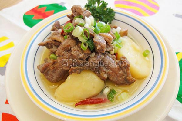 马铃薯炖鸭腿的做法