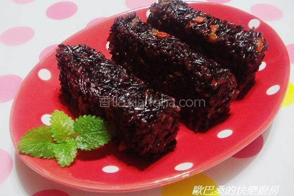 桂圆紫米糕的做法