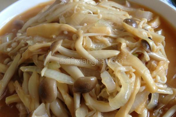 玉笋烩双菇的做法