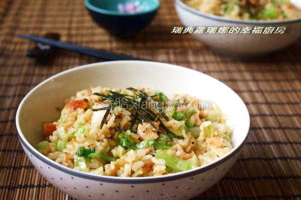 鲑鱼炒饭的做法