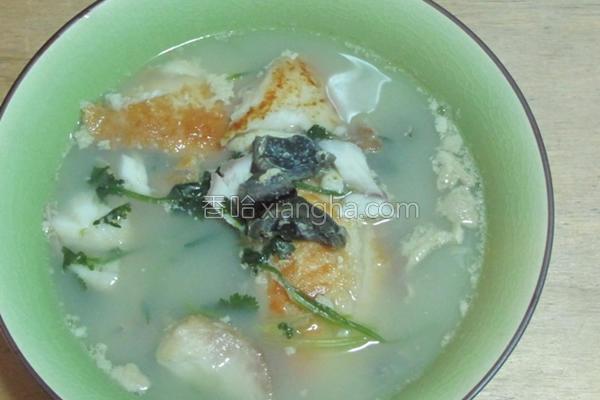 芫荽皮蛋鱼片汤的做法