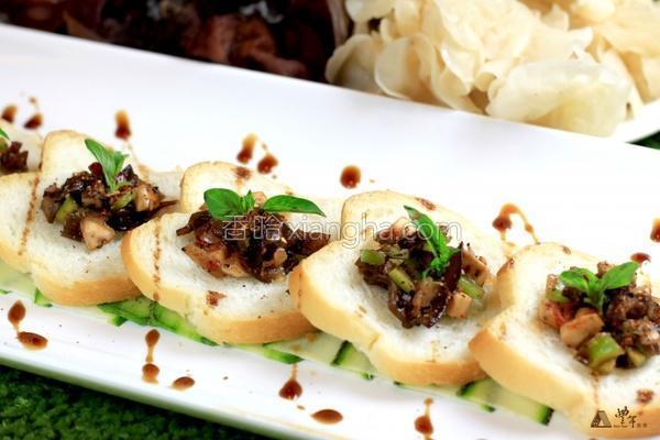 鲜烤香菇里培根的做法