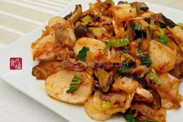 泡菜海陆炒年糕的做法