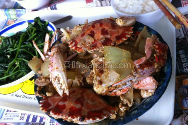 洋葱炒螃蟹的做法