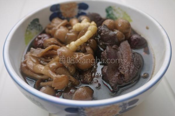 凉粉草菇菇排骨汤的做法