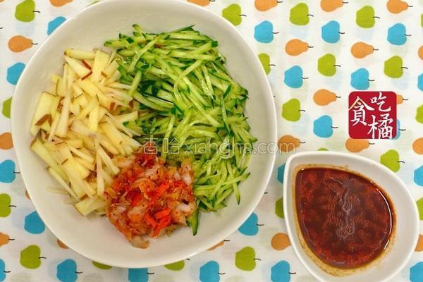 泡菜苹果凉爽拌的做法