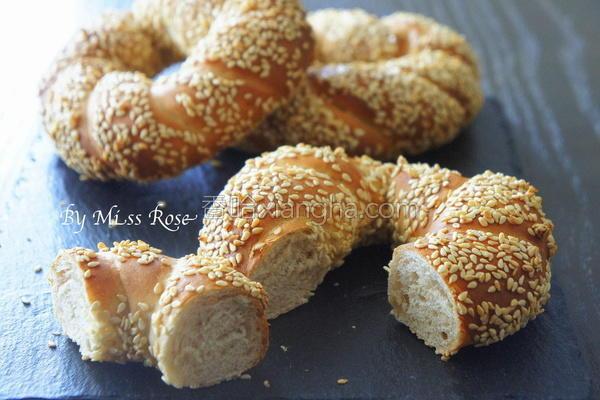 芝麻圈面包的做法