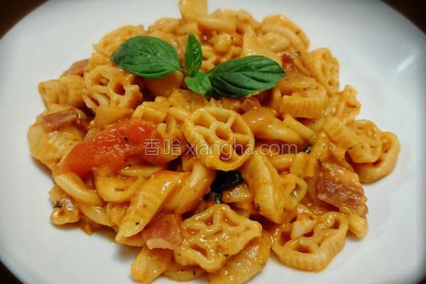 茄汁培根意大利面的做法