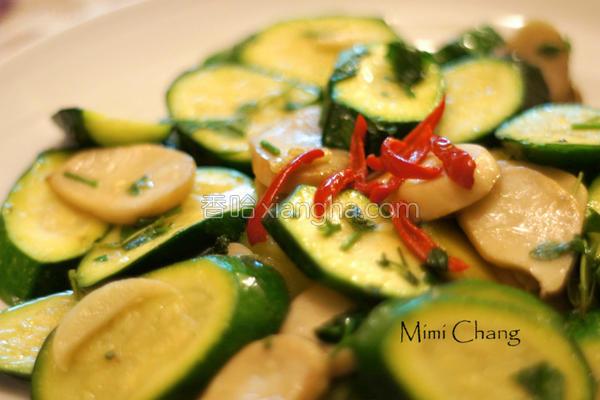 清炒栉瓜杏鲍菇的做法