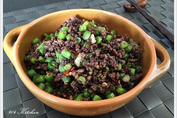 牛绞肉炒四季豆丁的做法