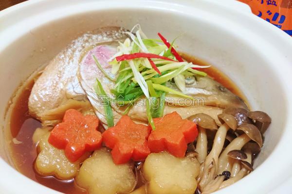 鱼头炖萝卜的做法