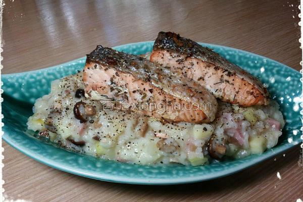 乳酪鲑鱼野菇炖饭的做法