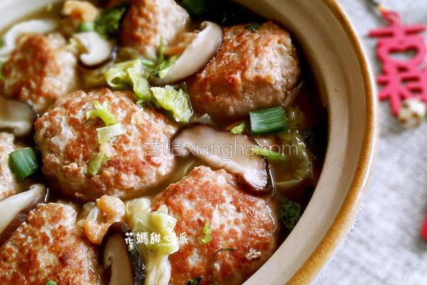 开阳白菜肉丸锅的做法