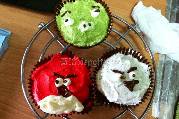 愤怒鸟杯子蛋糕的做法